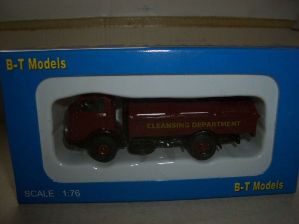 B T Models A009A 1/76 OO Karrier Bantam Refuse Department Dustcart Red Maroon